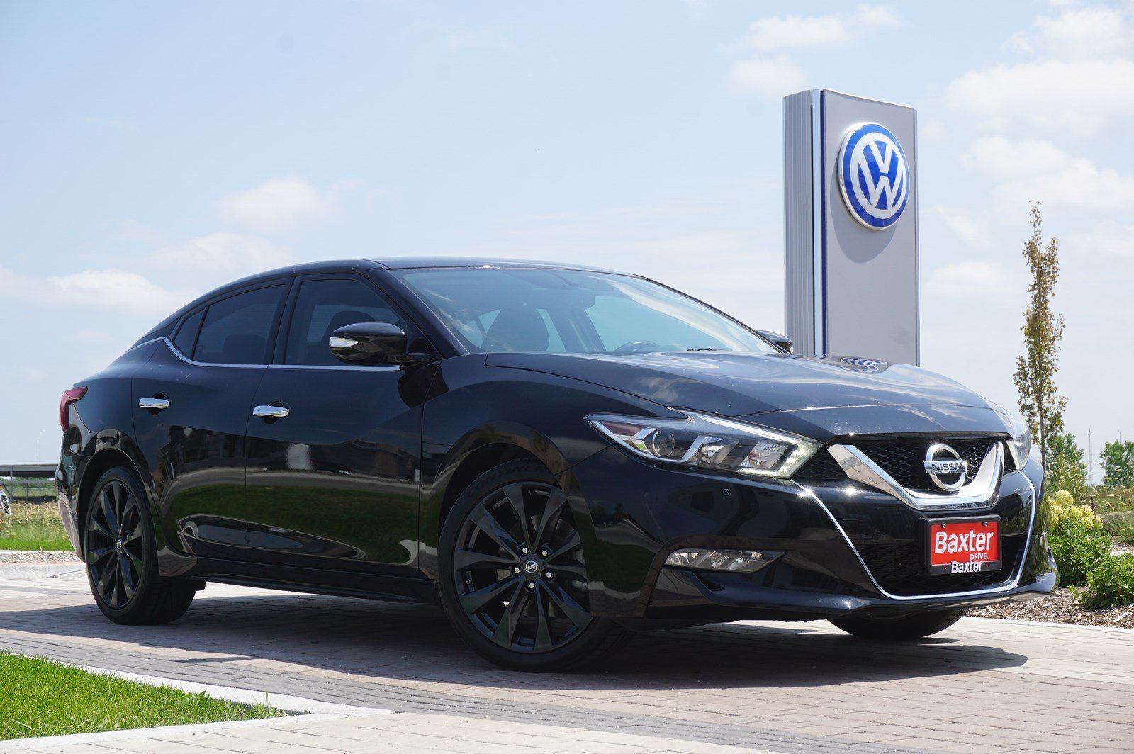 Pre-Owned 2016 Nissan Maxima 3.5 SR - W/ NAV, HTD&COOLED SEATS