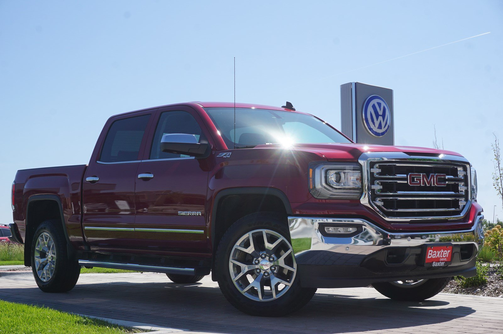 Pre-Owned 2018 GMC Sierra 1500 SLT - 4WD CREW CAB ONLY 1,710 MILES