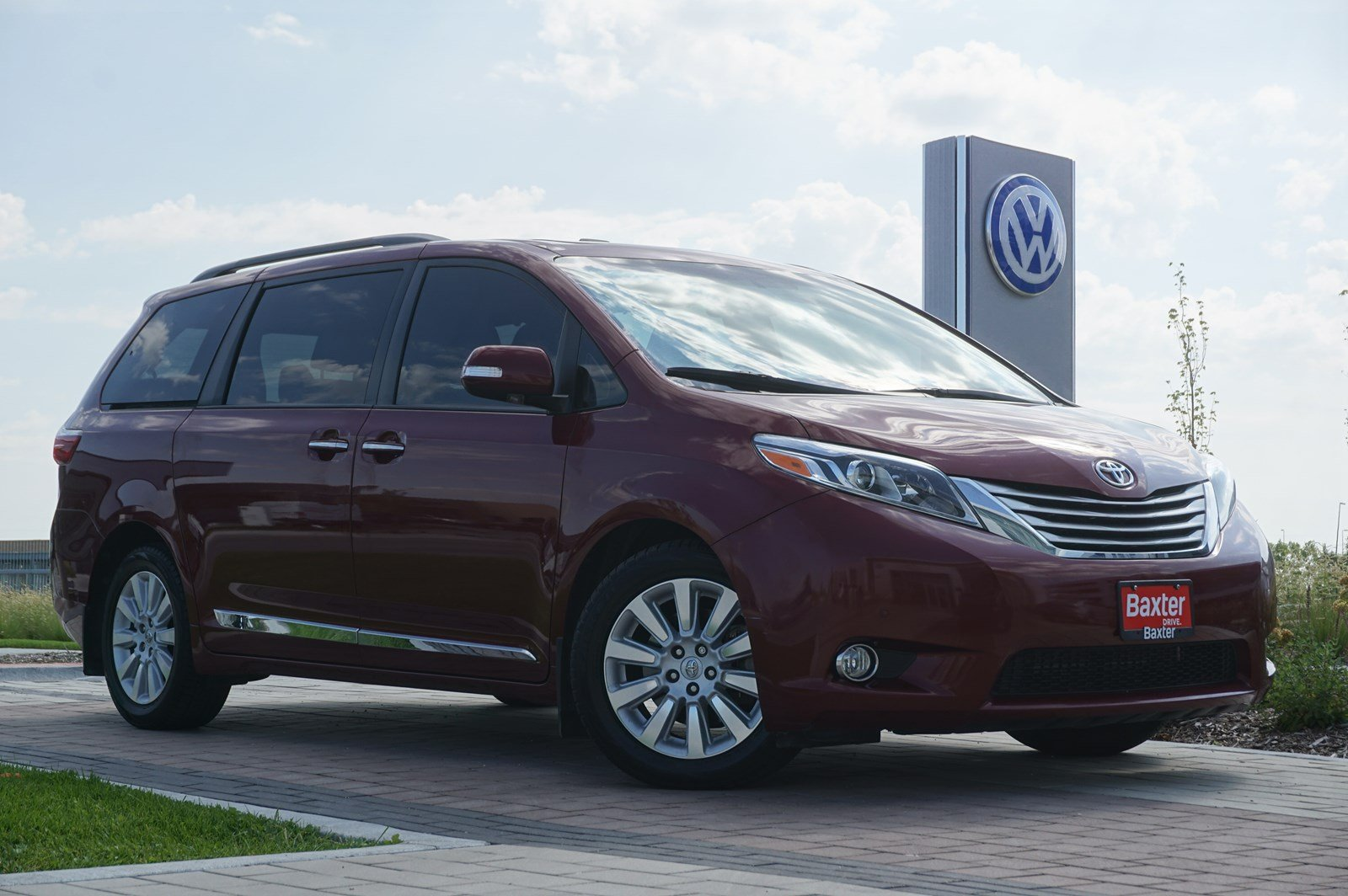 Pre-Owned 2016 Toyota Sienna 5dr 7-Pass Van Ltd FWD