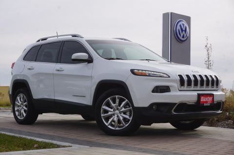 Pre-Owned 2017 Jeep Cherokee Limited 4x4